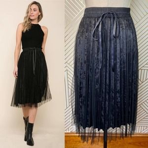 Raga Velvet Breeze Mesh Pleated Skirt in Black